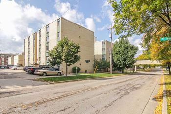 110 S. Brooks Street 1-4 Beds Apartment for Rent Photo Gallery 1